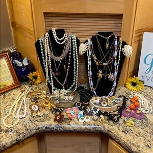 Vintage reseller 45 jewelry mix Bundle GUC